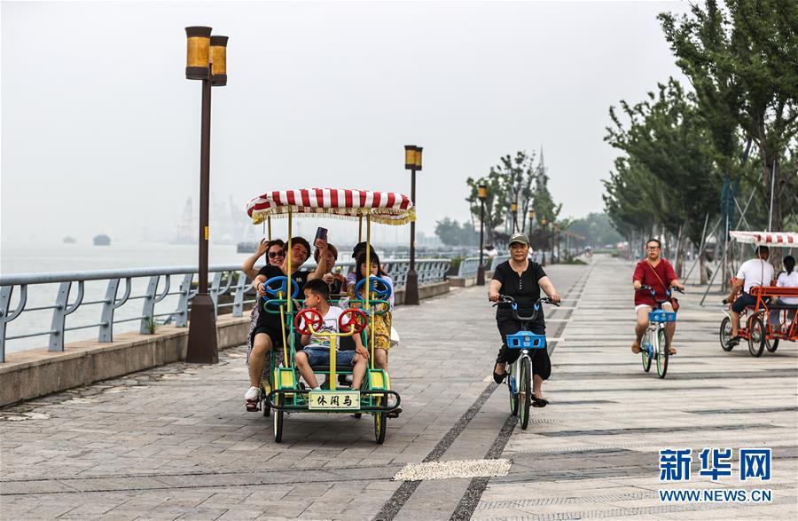 (走向我们的小康生活·图文互动)(12)水清岸美产业兴——江苏南通小康路上的绿色实践